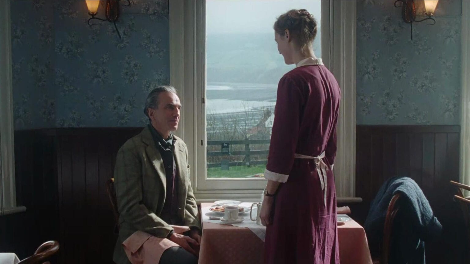 Phantom_Thread-685924919-large-1536x864