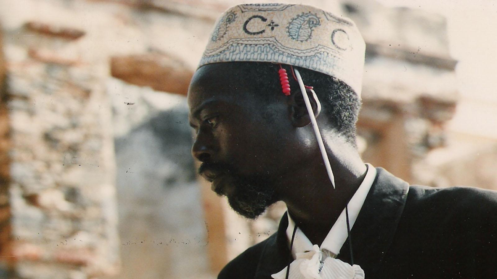 Djibril Diop Mambéty in Ninki Nanka, the Prince of Colobane